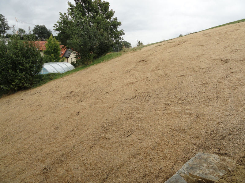 Mise en oeuvre de la protection liquide contre l'érosion Hydrosaat Protect